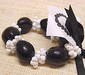 ShellBlack Kukui Nut with White Mongo Shells